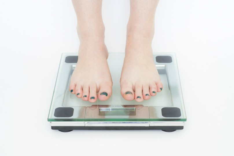 8 Reasons Why You Can't Lose Weight (And Why It's Not Your Fault!)